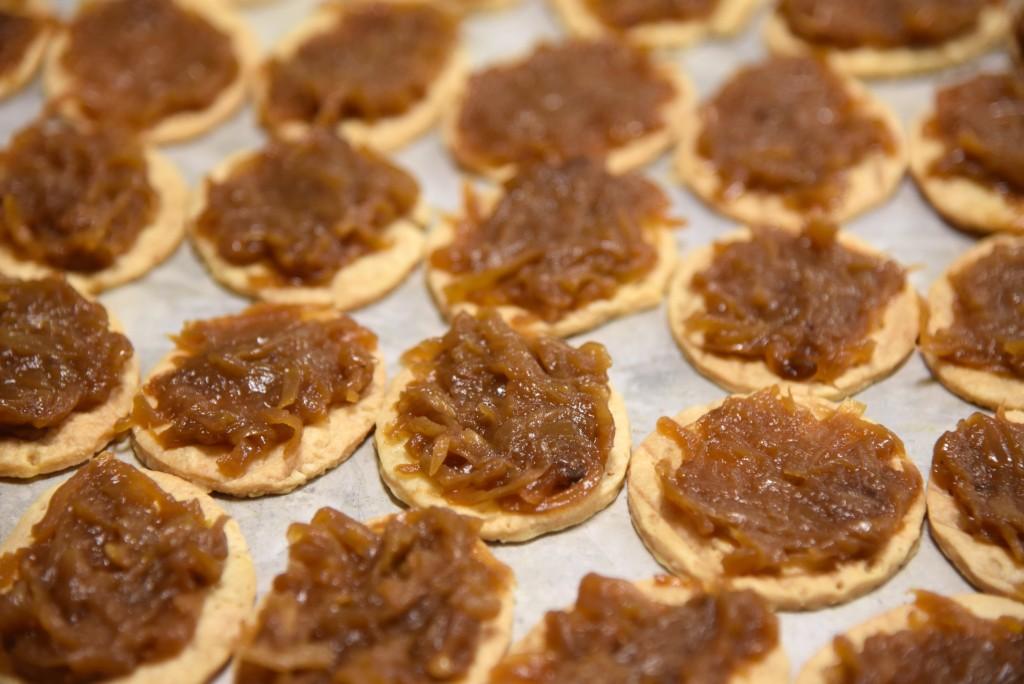 Prep-Smoked Angus Beef Tenerloin-Caramelized Onion Tarte-Confit Peral Onions-Crispy Onions RingsDSC_6275